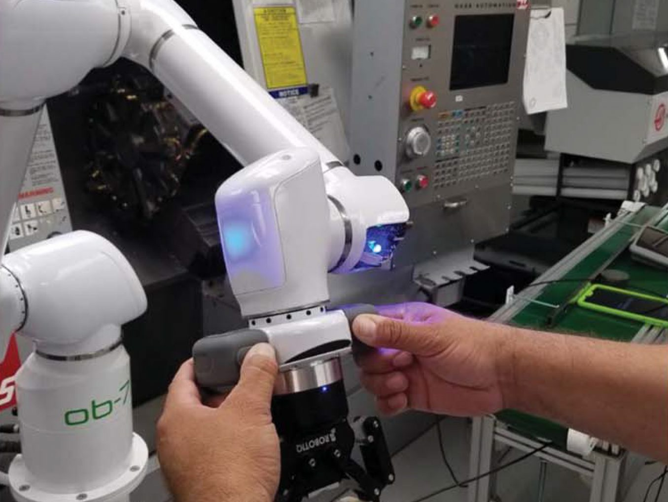 3 Reasons Your Company Should Consider A Collaborative Robot